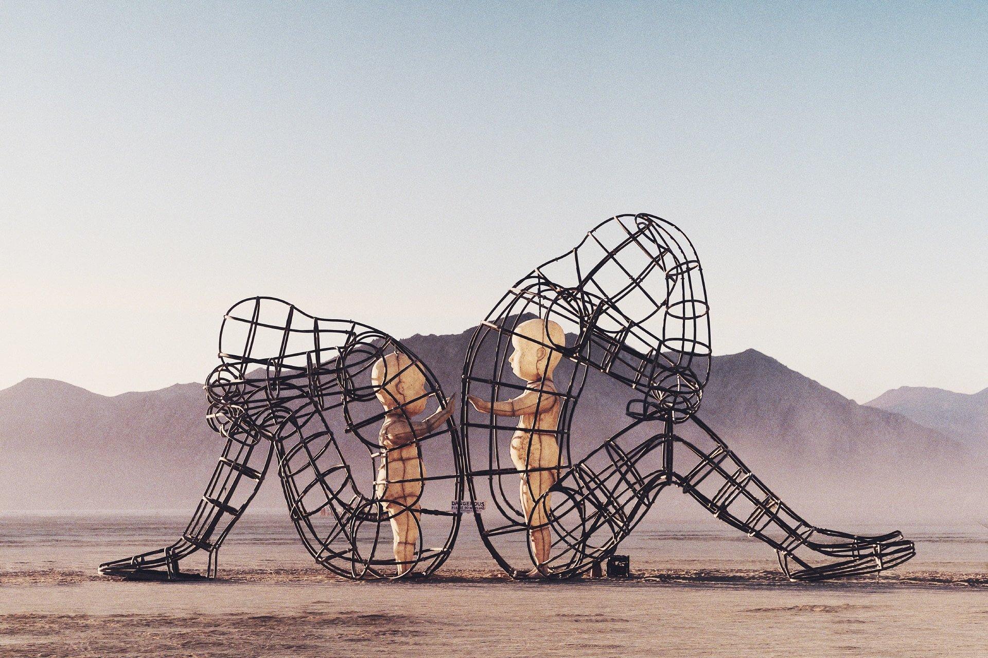"""""""Love"""" di Milov: un opera per spiegare la Dipendenza Affettiva"""