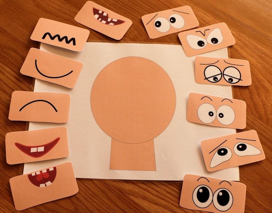 Gioco per riconoscere le emozioni | Dipendiamo.blog